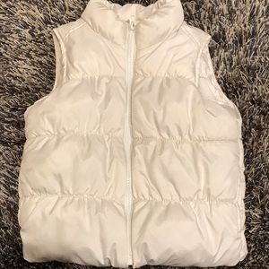 Girls fleece lined puffer vest.